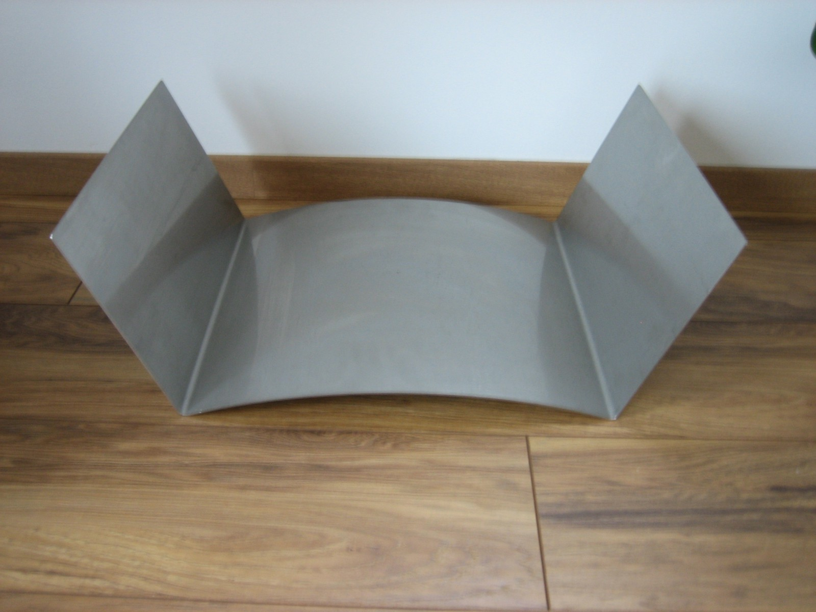edelstahl holzablage holzlege kaminholzablage kaminzubeh r. Black Bedroom Furniture Sets. Home Design Ideas